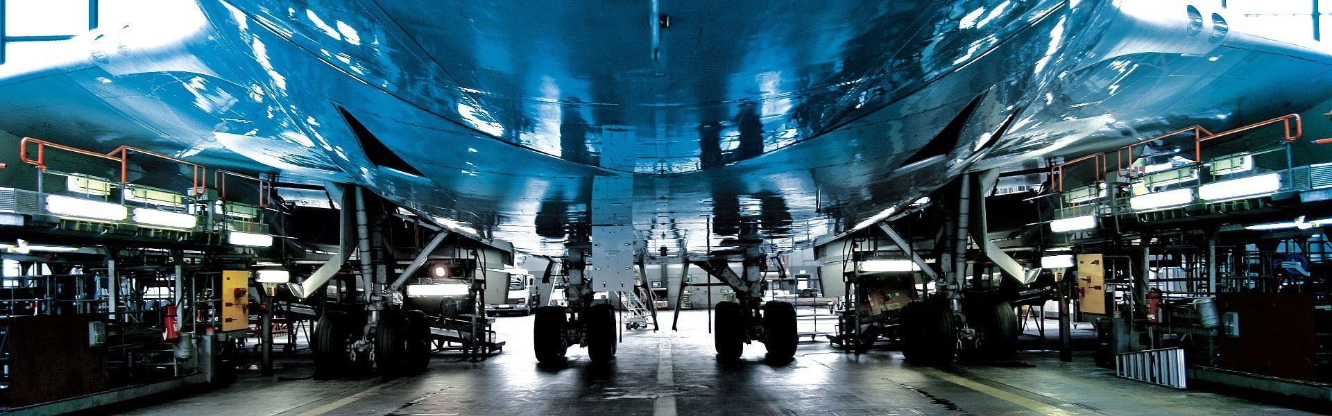 Flugzeug in der Werkstatt - Nahaufnahme
